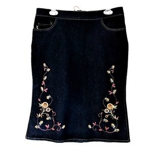 Mng boho jean skirt with embroidered flower design